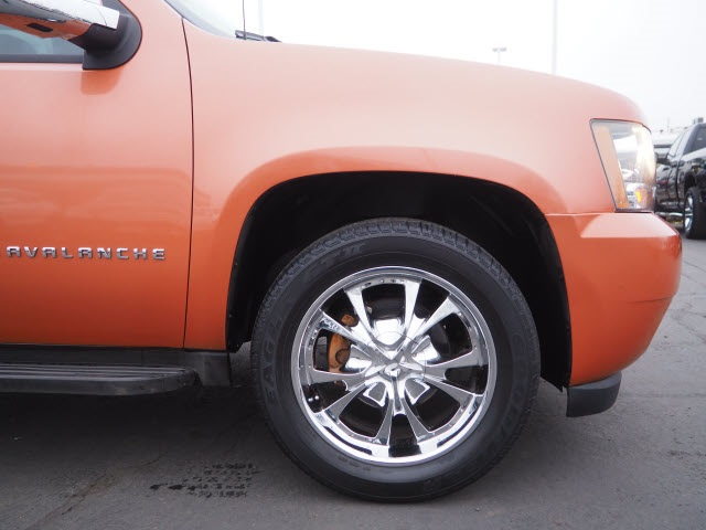 Pre-Owned 2007 Chevrolet Avalanche 1500 LS