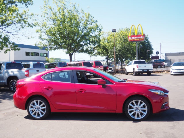 Pre-Owned 2017 Mazda3 Grand Touring